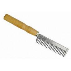 Расческа металлическая с деревянной ручкой
